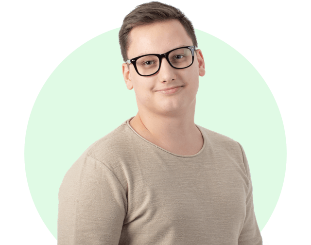 Даниил - Менеджер по работе с клиентами