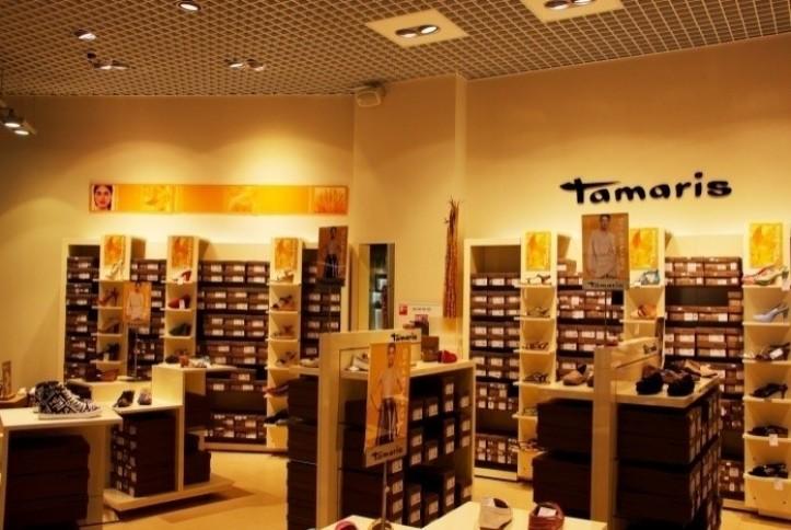 Установка колонок в обувном магазины