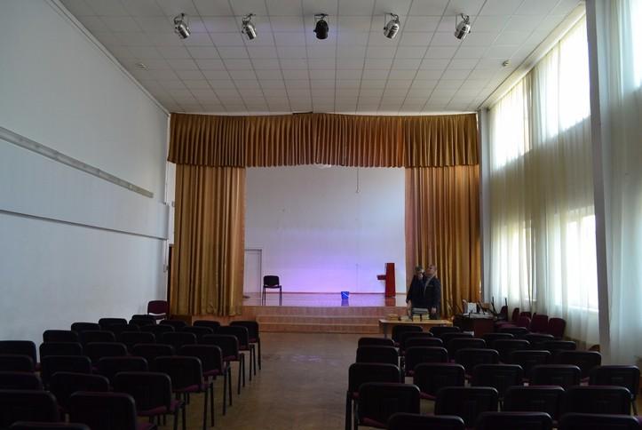 Модернизация светового сценического оборудования в Гимназии №192