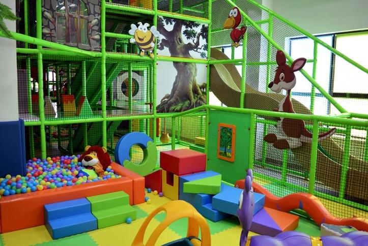 Оснащение AV - оборудованием детского развлекательного центра