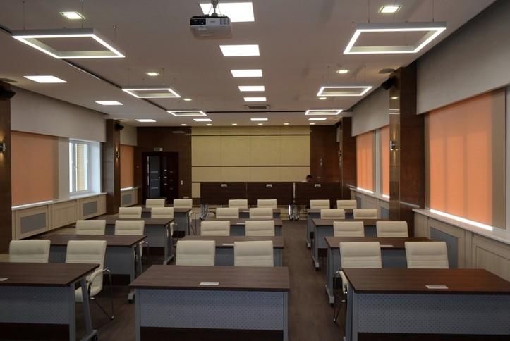 Оснащение скрытыми микрофонами конференц-зала